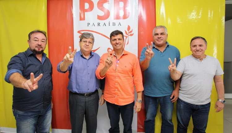 Prefeito de Cabedelo declara apoio à pré-candidatura de João Azevêdo