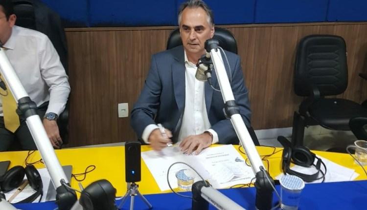 """Lucélio rebate RC: """"Se gasta dinheiro do povo, precisa ser um espaço do povo"""", sobre Granja Santana"""