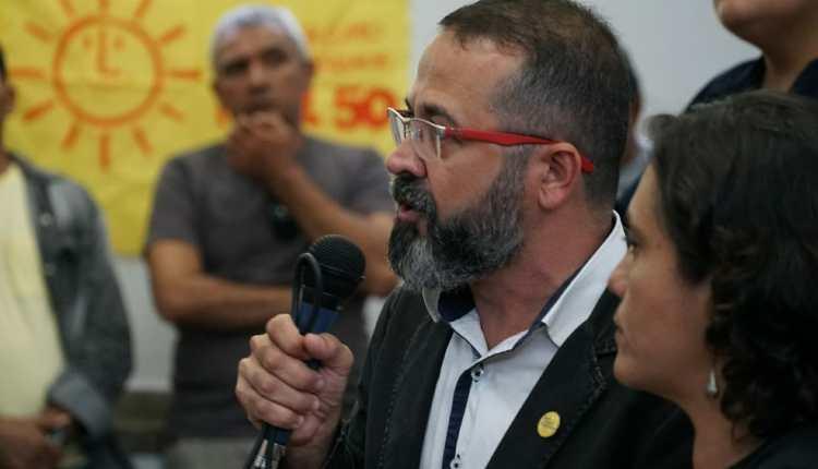Tárcio Teixeira oficializa sua candidatura ao Governo do Estado pelo PSOL