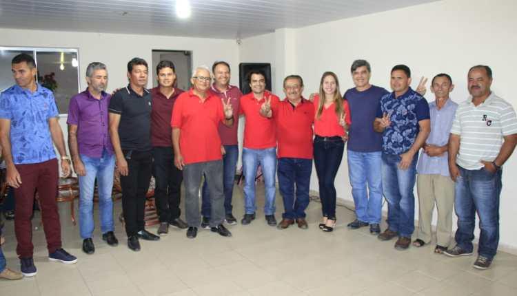 Zé Maranhão recebe adesões de Sossego e participa de missa da padroeira de Nova Palmeira