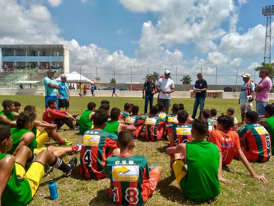 Vasco-RJ avalia alunos da escolinha de futebol de Santa Rita