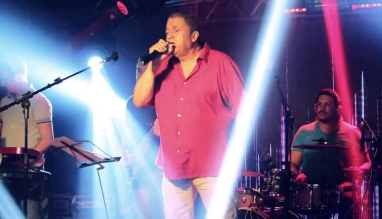 """Marcony & Os Reginaldos embalam o país com o sucesso """"A garçonete"""""""