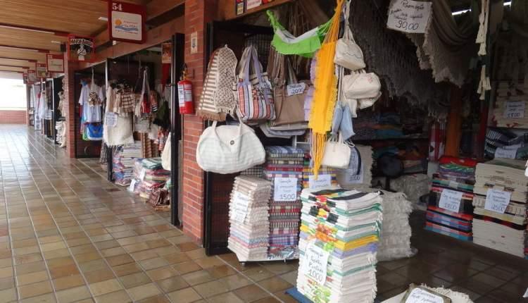 Governo entrega reforma do Centro de Artesanato de Tambaú