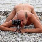Голый фотограф