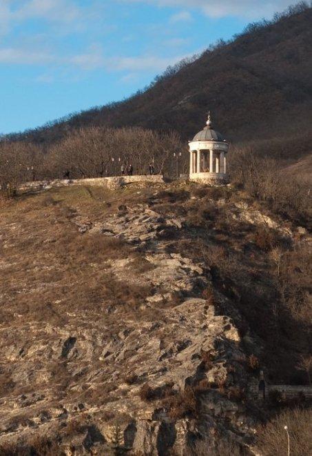 Эолова арфа осенью. Пятигорск.