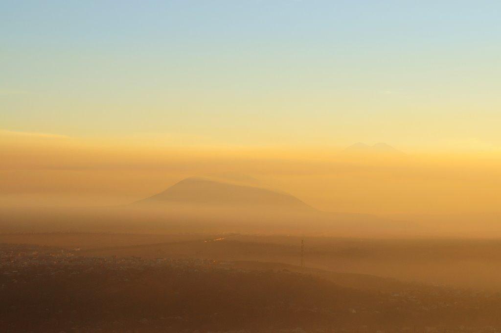 Осенний закат и дымка