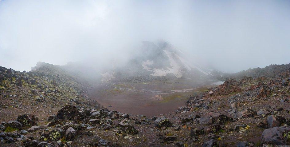 Вид на кратерное озеро, Эльбрус