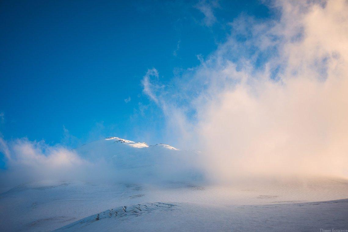 Восточная вершина Эльбруса, вид с северо-востока