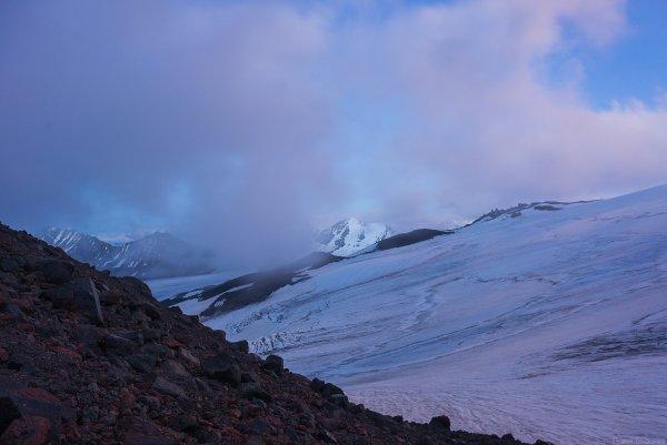Вид с северного склона Эльбруса