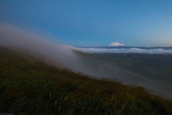 Туманный закат на Бермамыте