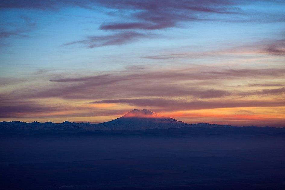Эльбрус на закате