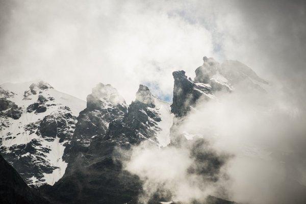 К западу от Скаазского ледника