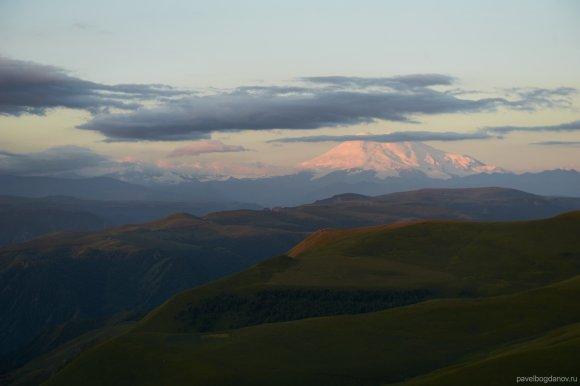 Эльбрус с плато Шаджатмаз