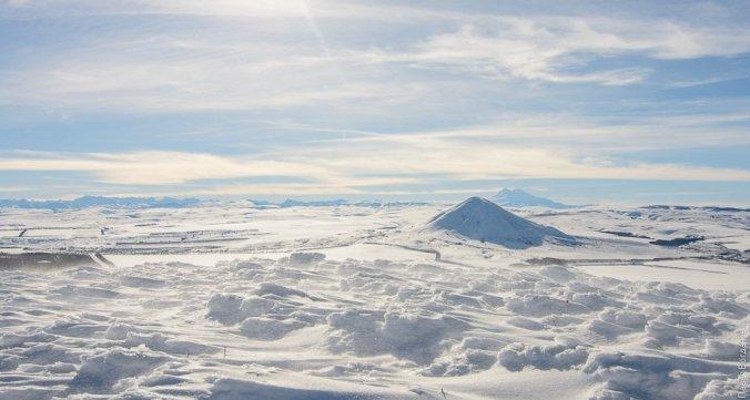 Джуца, Эльбрус и Кавказский хребет, вид с Юцы