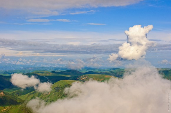 Облака над горным плато