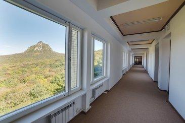 Интерьерное фото коридоров санатория