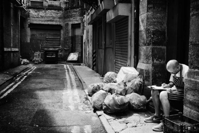 """6am: Mančester, UK, """"Provera u uličici"""". Foto:Ross Magrath"""