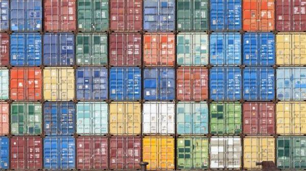 Za razliku od robe, uslugu ne možete staviti u kontejner i ploviti svetom prodajući je