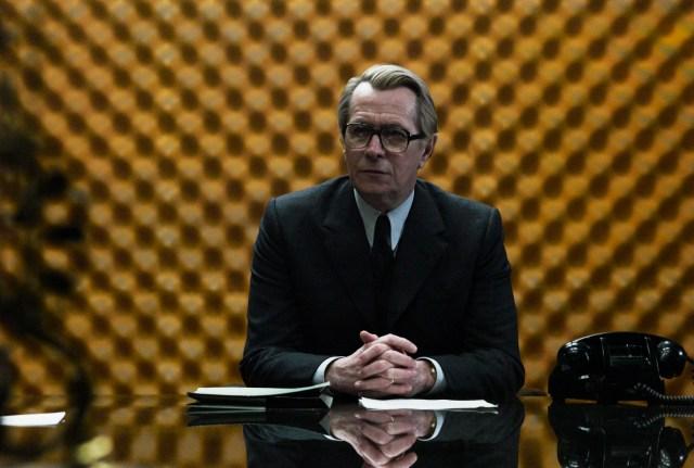 """Geri Oldmen kao""""Smajli"""", omiljeni lik Le Kareovih špijunskih romana"""