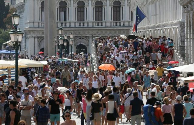 Kako je to biti žitelj grada kojeg zaposedaju desetine hiljada turista dnevno?