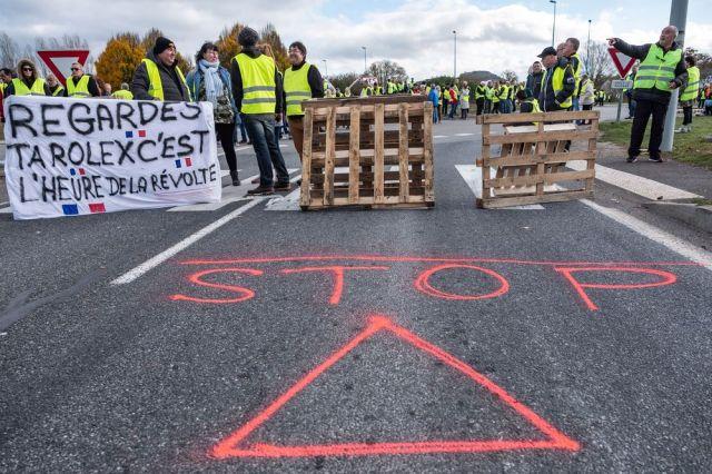 Kada žuto znači - STOP. Foto: Balint Porneczi/ Bloomberg