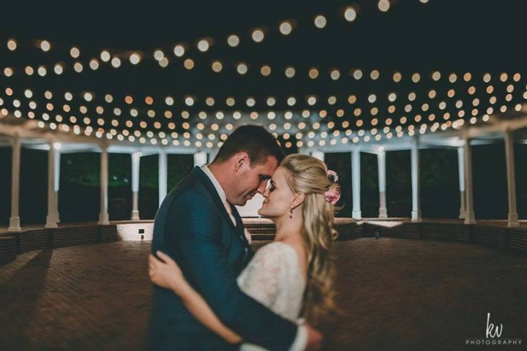 Southern Romantic wedding, estate home wedding, florida nuptials, florida wedding, luxury events, market lighting, romance, southern belle