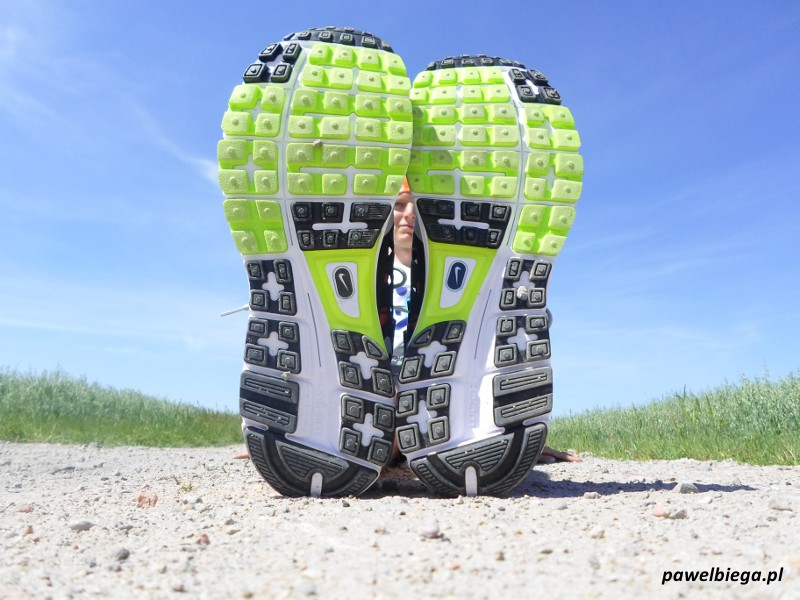 Nike Vomero 9 - podeszwa