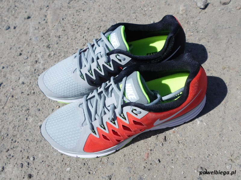 Nike Vomero 9 - z góry