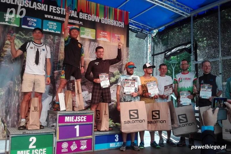 DFBG - podium B7S