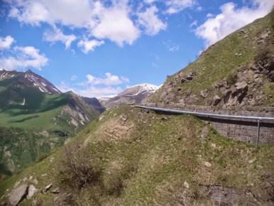 gruzińska droga wojenna i podjazd na przełęcz krzyżową