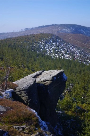 skałka zlepieńcowa na magurce radziechowskiej w beskidzie śląskim