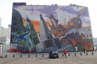 interesujący mural namalowany przy ulicy piotrkowskiej w łodzi