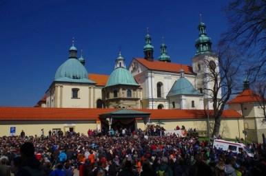 sanktuarium pasyjno maryjne w kalwarii zebrzydowskiej w wielki piątek