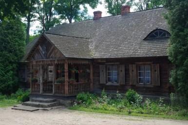 skansen budownictwa kurpiowskiego w nowogrodzie