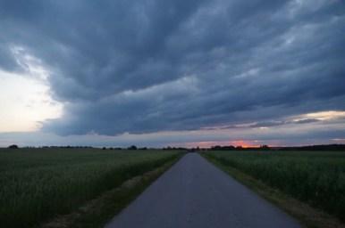 zachód słońca w województwie świętokrzyskim w okolicy jędrzejowa
