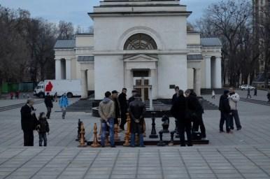gra w szachy na ulicach kiszyniowa w mołdawii