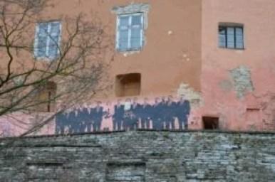 mural na wzgórzu zamkowym toompea w tallinie w estonii