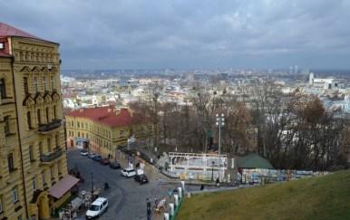 okolice cerkwi świętego andrzeja w kijowie na ukrainie