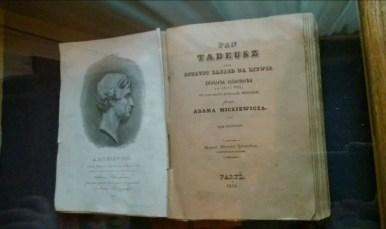 pierwsze wydanie pana tadeusza w muzeum adama mickiewicza w wilnie na litwie