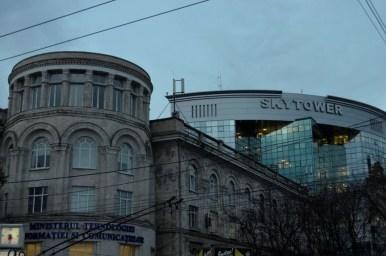 kontrasty na ulicach kiszyniowa w mołdawii
