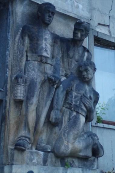 socrealistyczne rzeźby w bratysławie w słowacji