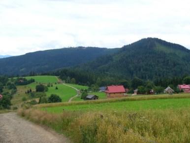 osiedle stożek mały na szlaku na wielki stożek w beskidzie śląskim