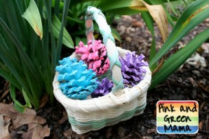 http://pinkandgreenmama.blogspot.co.uk/2011/04/spring-nature-craft-pine-cone-eggs.html#.VvSer_mLTIU