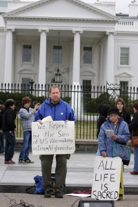 Art Laffin at Ash Wednesday service in front of the White House.
