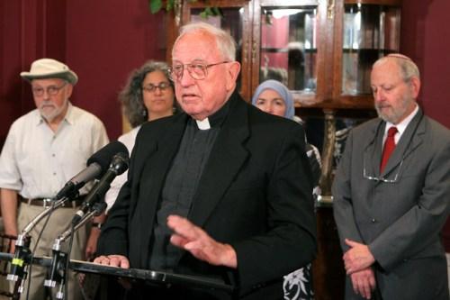 Bishop Walter Sullivan speaking at an anti-torture event in 2007.