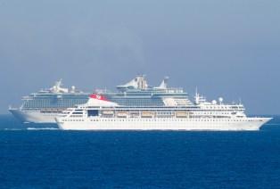 Cruise_ships_001