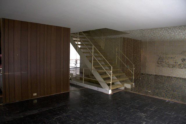 Inside A Townhouse Mies Detroit Lafayette Park