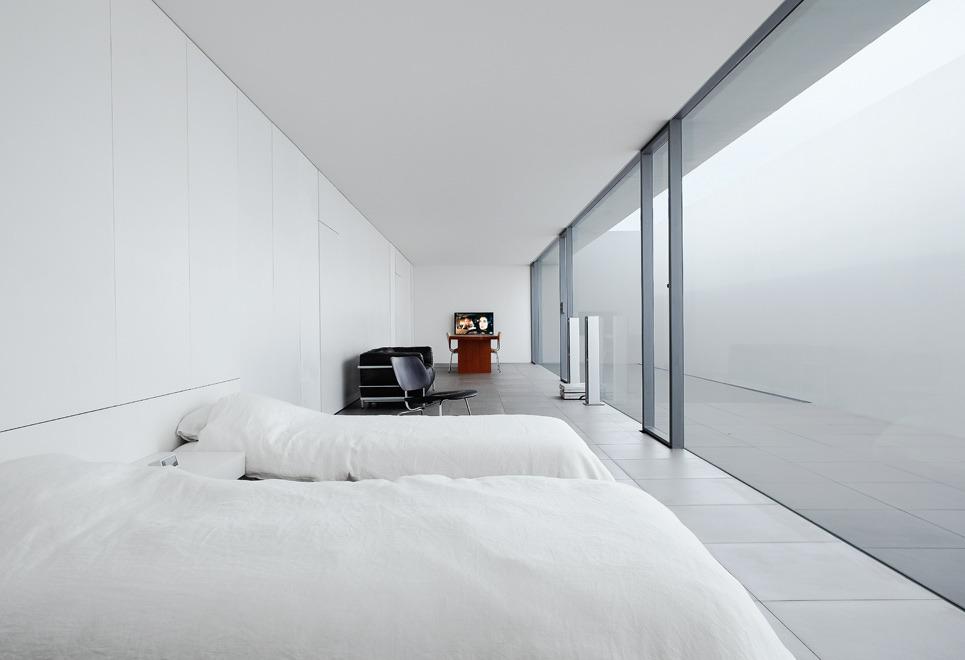 Minimalist House Jonathan Savoie Gt Architecture