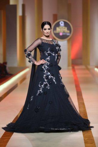 Amina Yasmeen (355)
