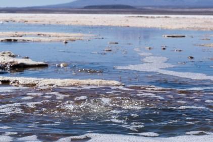 Uyuni - un peu d'eau dans le salar